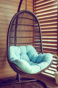 Ein sehr schöner und luxeriöser Lounge-Hängesessel